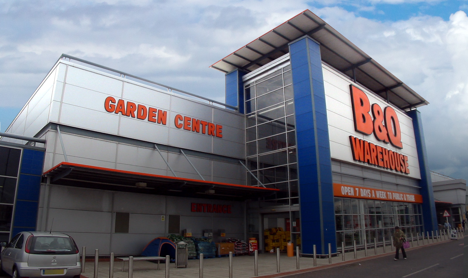 100,000 sq. ft. DIY store as part of a group of EPCs for a large retail warehouse park in Manchester