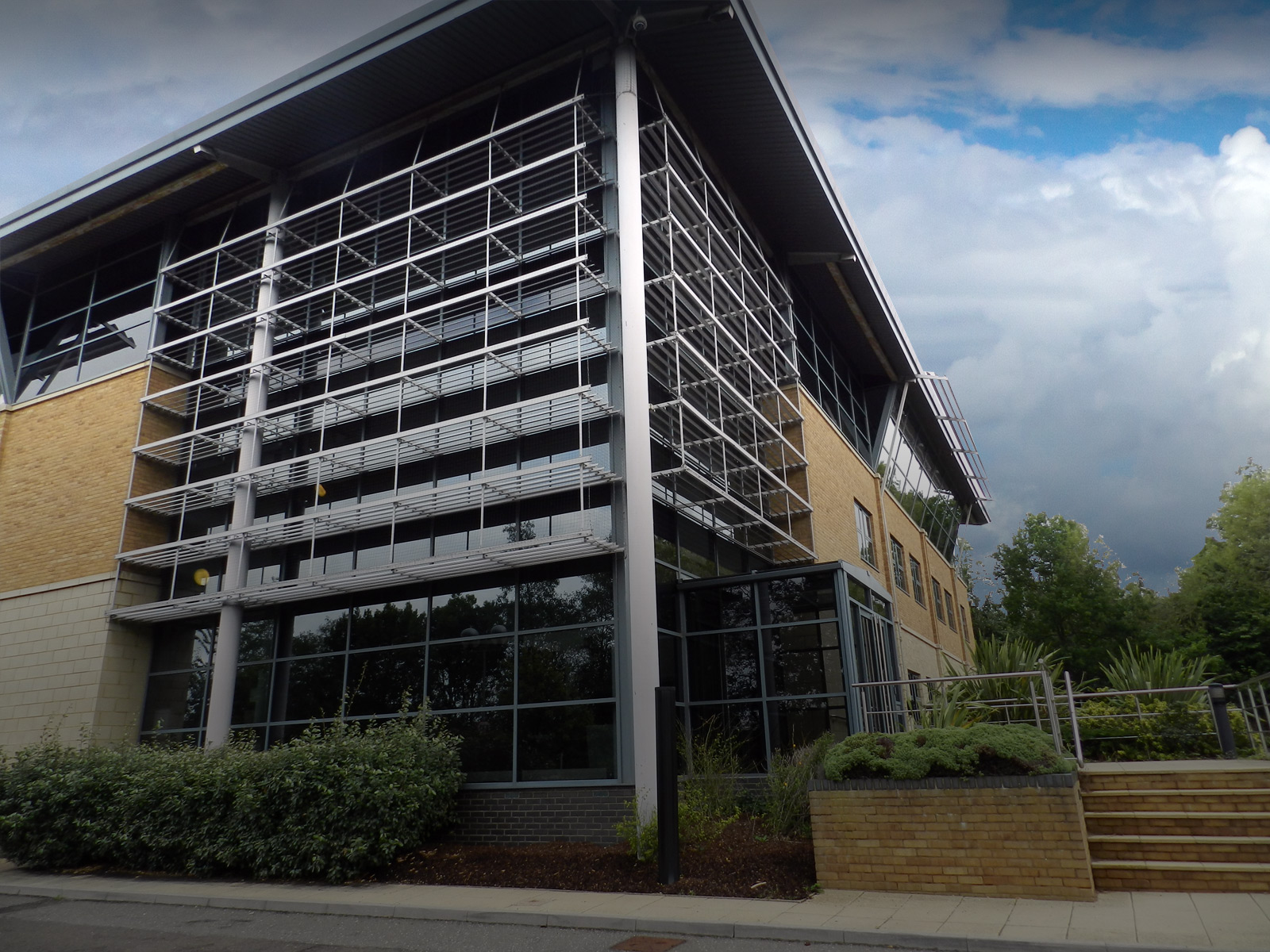 Major air-conditioned office building in Basingstoke